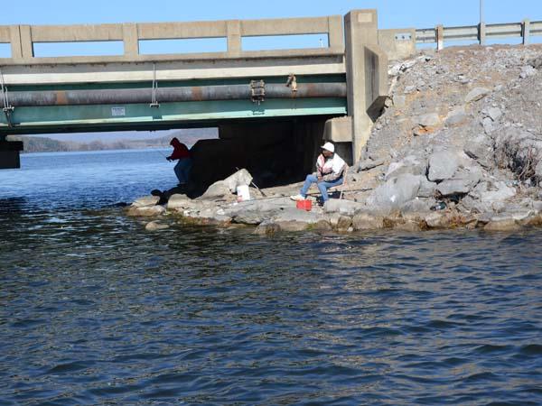 Crappie fishing on lake guntersville al for Fishing lake guntersville